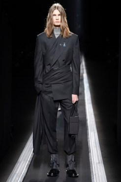 dior WINTER 19-20 COLLECTION LOOK 5 fashiondailymag