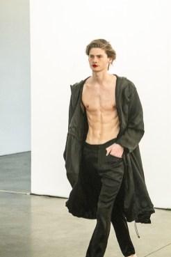 NYFW Mens Wan Hung SS 2020 FashiondailyMag NOFILTER PaulMorejon-2.jpg-133
