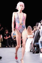 Custo Barcelona SS2020 nyfw FashionDailyMag Brigitteseguracurator ph Tobias Bui3420