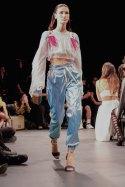 Custo Barcelona SS2020 nyfw FashionDailyMag Brigitteseguracurator ph Tobias Bui337499