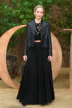 jennifer lawrence Christian Dior : Photocall - Paris Fashion Week - Womenswear Spring Summer 2020