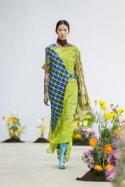 SHUTINGQIU_SS20_Look2 SHANGHAI RUNWAY faves FashionDailyMag Brigitteseguracurator 2 11