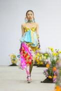 SHUTINGQIU_SS20_Look2 SHANGHAI RUNWAY faves FashionDailyMag Brigitteseguracurator 2 5