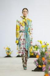 SHUTINGQIU_SS20_Look8 SHANGHAI RUNWAY faves FashionDailyMag Brigitteseguracurator
