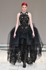 Alexander McQueen fall 2020 paris fashion week photo Imaxtree FASHIONDAILYMAG brigitteseguracurator