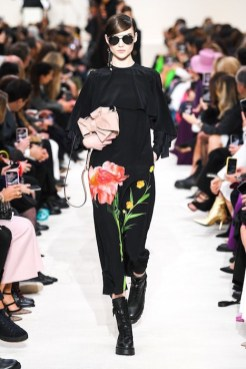 Valentino_48_is5_0897 fall 2020 paris fashion week photo Imaxtree FASHIONDAILYMAG brigitteseguracurator