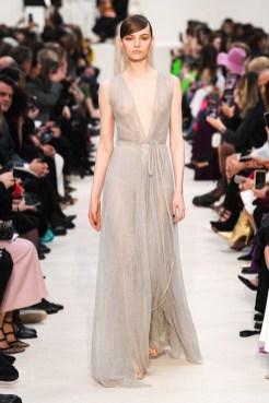 Valentino_84_is5_1597 fall 2020 paris fashion week photo Imaxtree FASHIONDAILYMAG brigitteseguracurator