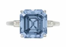 Lot 109_A Rare Colored Diamond Ring