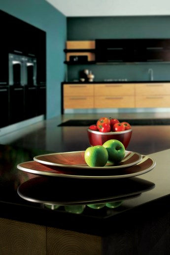 Arcadia comprises elegant platters and bowls with pewter inlay