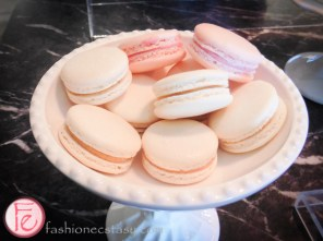 Sophisticated Sweet Tooth – Petite & Sweet macarons