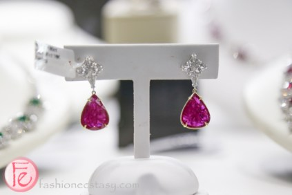 pink diamond earring at samuel kleinberg jewellers 2016 bridal jewellery collection trend preview