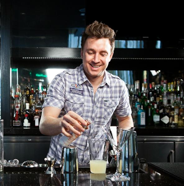 mixologist Joshua Groom