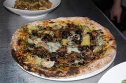 Lambretta italian restaurant toronto thin crust pizza