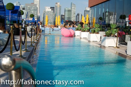 Lavelle Toronto rooftop patio/pool Le Jardin