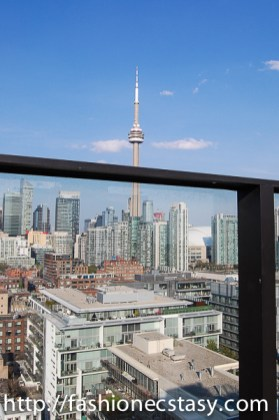 CN tower view from Lavelle Toronto rooftop patio