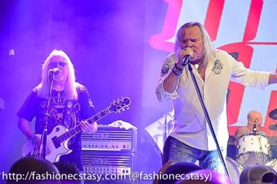 HOWZAT OPENING FOR URIAH HEEP- with Canadian artist Greigg Fraser