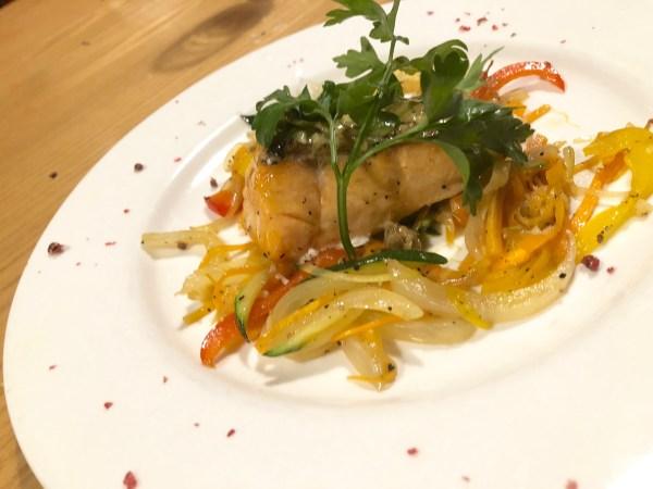 蒜香奶油炭烤鮭魚 (SALMONE ALLA GRIGLIATA)