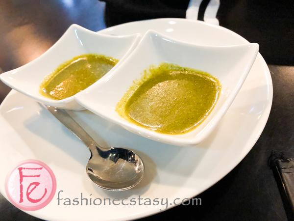 沙拉醬 (dressing for the salad)