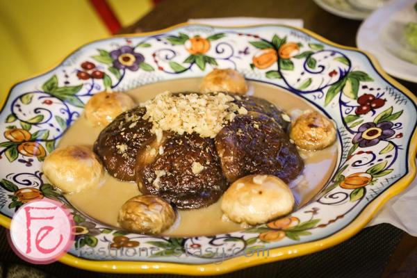 葡萄酒香煎野菇($330)/Pan-fried Mushrooms with Wine ($330)