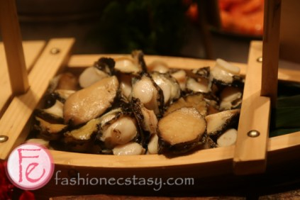 九孔鮑/abalone 文華CAFE海鮮自助吧 ( Cafe Un Deux Trois seafood bar)