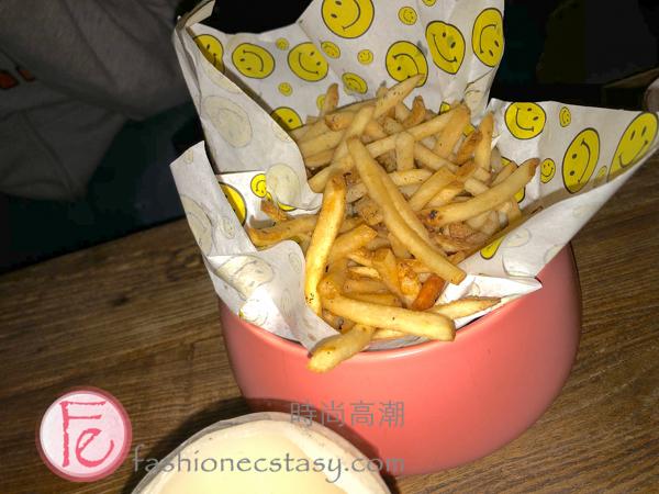 爛醉咖啡 「「微笑脆薯與松露起司醬」($200)Drunk Cafe friesDrunk Cafe Taipei fries($200)