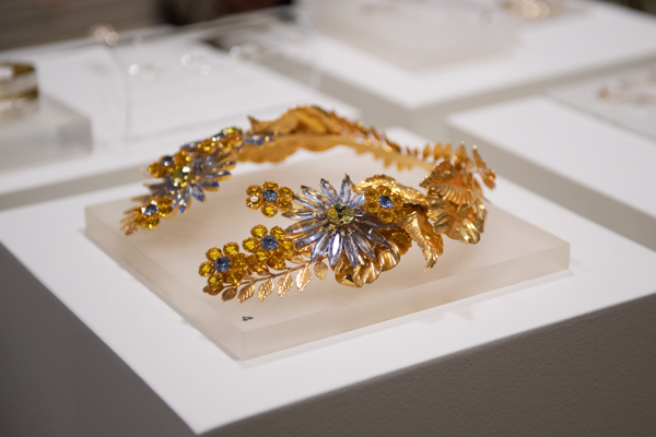 The Great Jewellery Heist 2019 Preview-open collar necklace by Alan Anderson