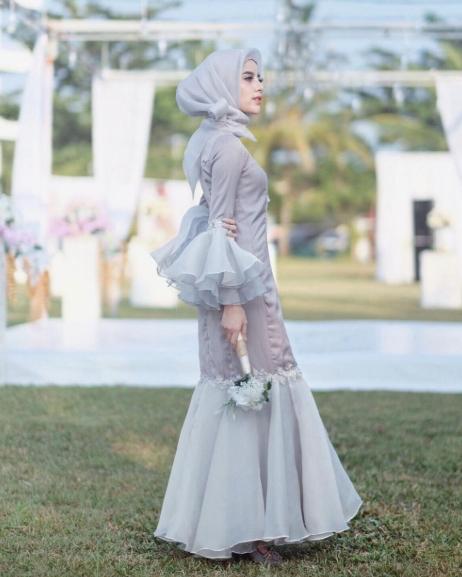 19 Model Baju Pesta Muslim Modern Elegan Cantik