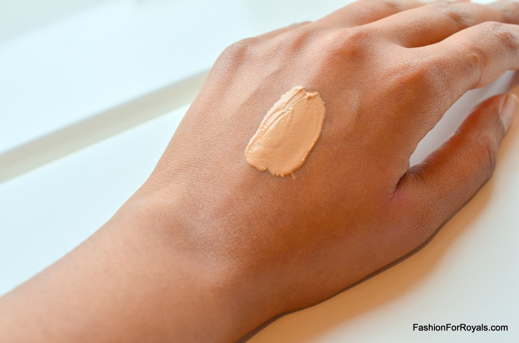 1-Bobbi Brown SPF15 Tinted Moisturizer Swatch