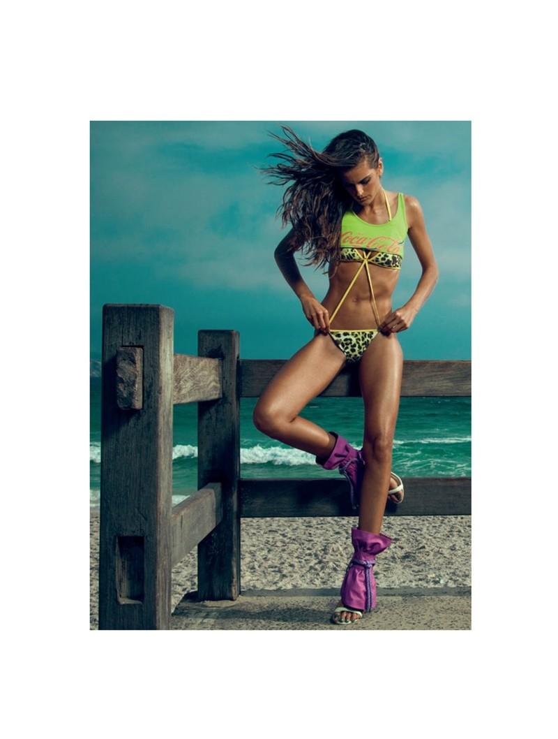 izabel goulart10 Izabel Goulart Rocks Sexy Beachwear Looks for Elle Brazil
