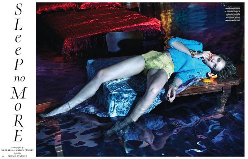 NataliaMM1 Наталья Водянова является Sleepless для W Журнал декабря 2012 года Mert & Marcus