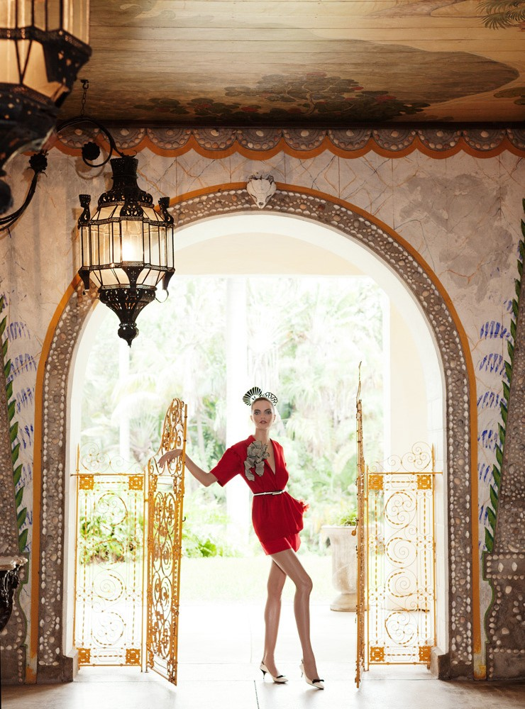 BarbaraElle8 Barbara Fialho Gets Tropical for Elle Mexico January 2013, Shot by Danny Cardozo