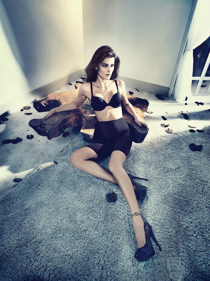 isabeli fontana lingerie campaign6 Isabeli Fontana Seduces for Un.i Lingerie Winter 2013 Campaign