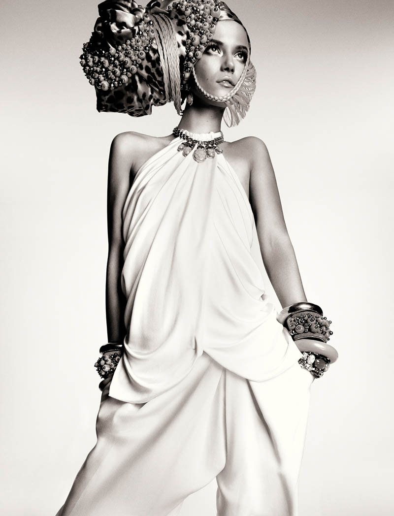 KasiaStrussNumeroGregKadel15 Kasia Struss Dons a Fashion Mix for Numéro #142 by Greg Kadel