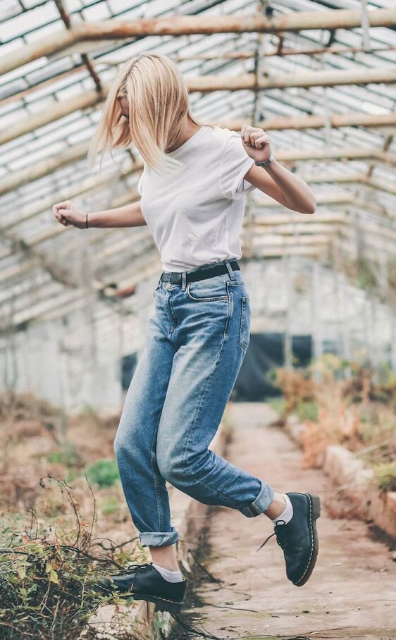 3 Signs You Can't Pull Off Mom Jeans