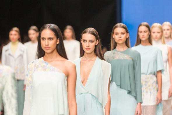 FashionShow-Catwalk-ModelsPose
