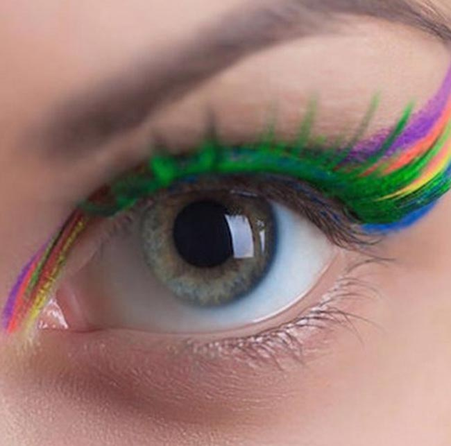Ways to Wear the Rainbow Lashes Beauty Trend