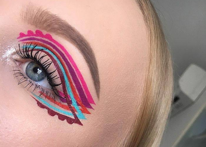 This Intricate Winged Eyeliner is the New Colorful Trend of Summer
