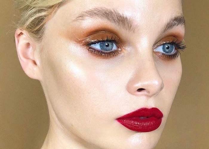 Glam Up Your Makeup with Glossy Lids (12)