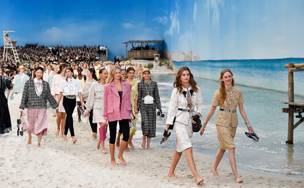 Chanel-SS-2019-Beach-Runway-Show-7