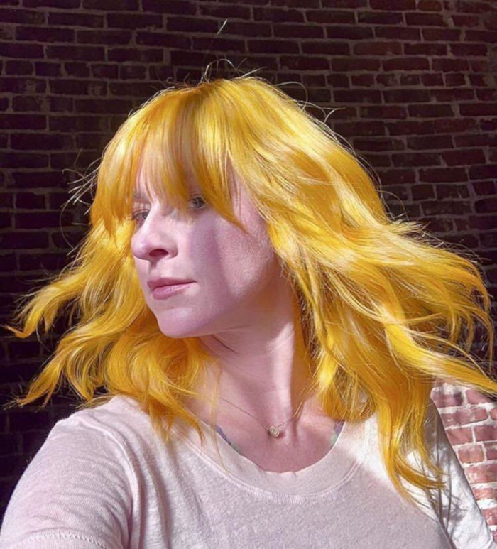 Mustard-Hair-is-the-Unexpected-Way-to-Go-Warm-This-Spring-61