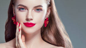 how-to-make-red-lipstick-last-all-day-main-image