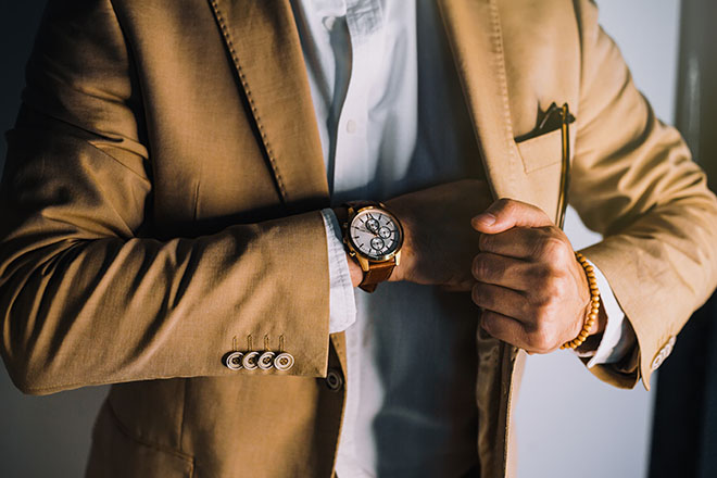 What-Men-Should-Wear-in-Ibiza-2019-button-up-shirt-and-watch