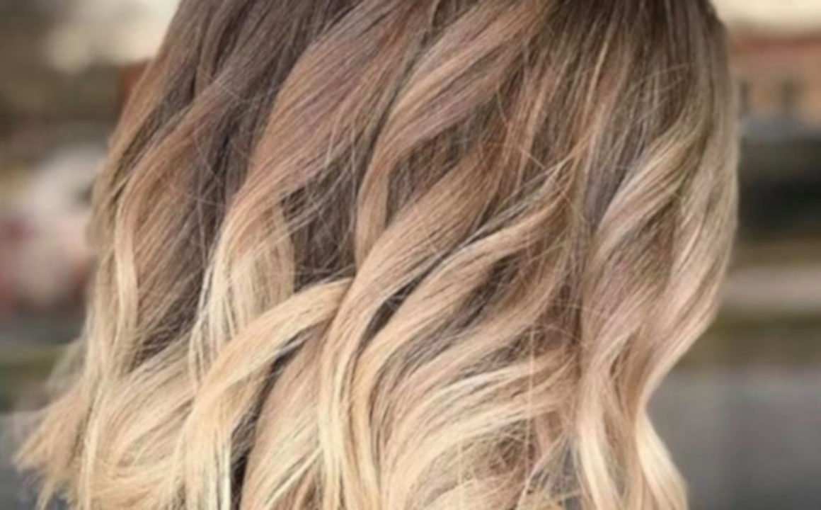 Dirty Blonde is The Trending Hair Color Lazy Girls Will Love 8
