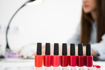 how-to-choose-the-best-nail-salon