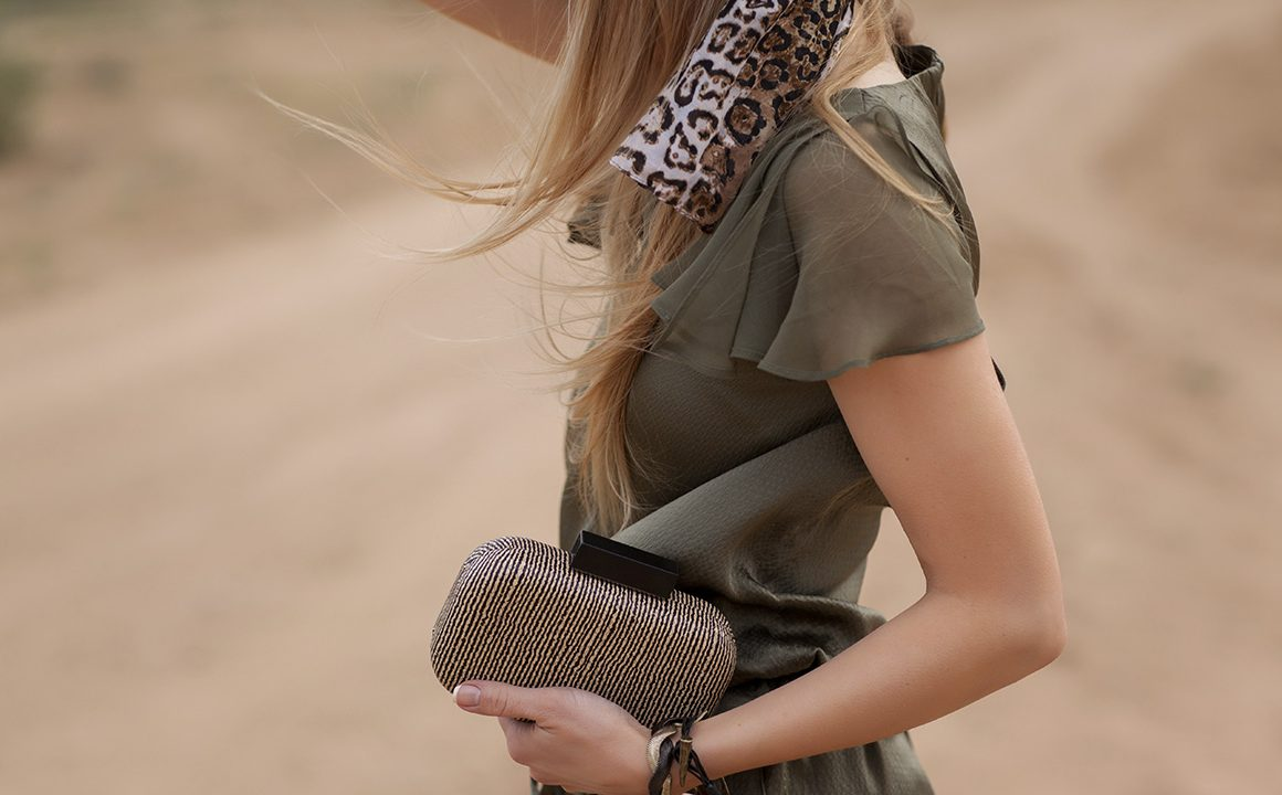 safari-fashion-fashionisers-fashionable-girl-on-african-safari