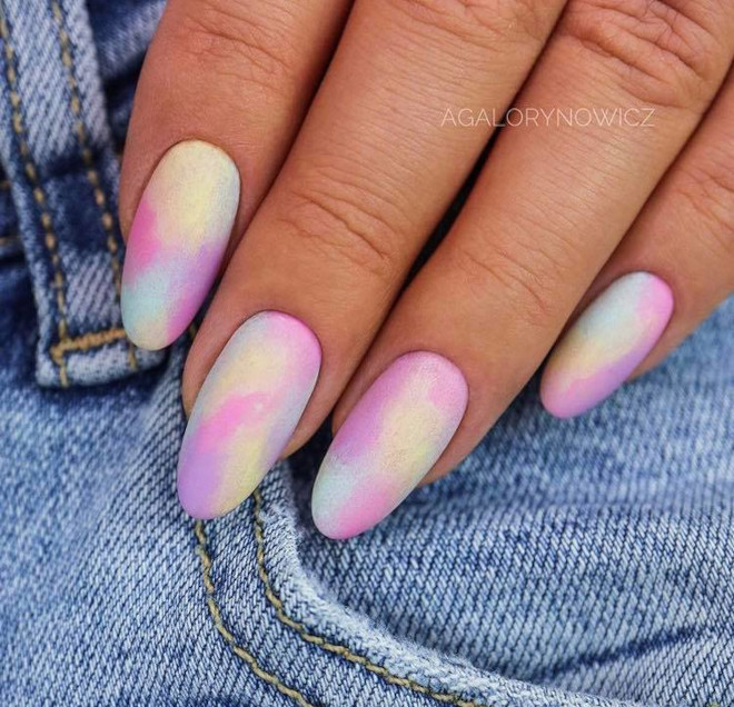 tie-dye nails are trending for fall