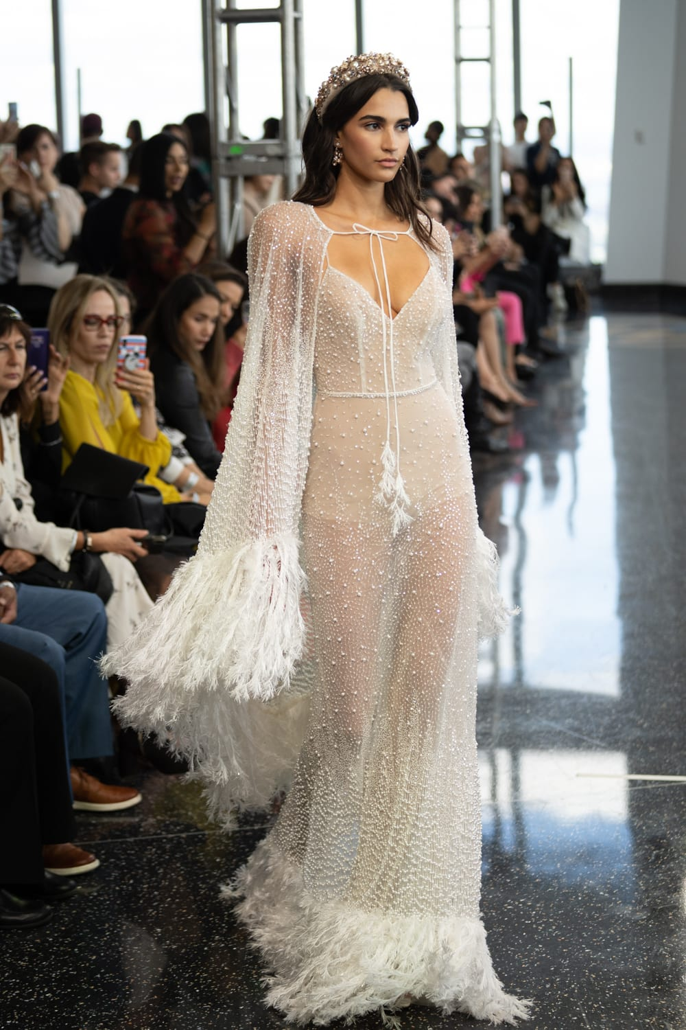 #berta #2020wedding #2020weddingdresses #weddingtrend #weddingdresses #brides #bridalgown #modernwedding