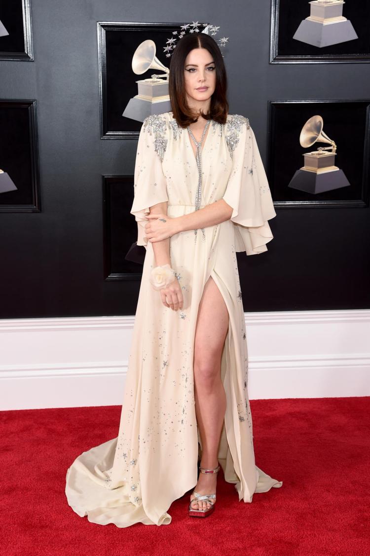 Lana Del Rey in custom Gucci - Red Carpet Grammy Award 2018