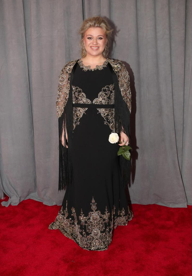 kelly clarkson grammys - See All the Red-Carpet Looks From The 2018 Grammy Awards