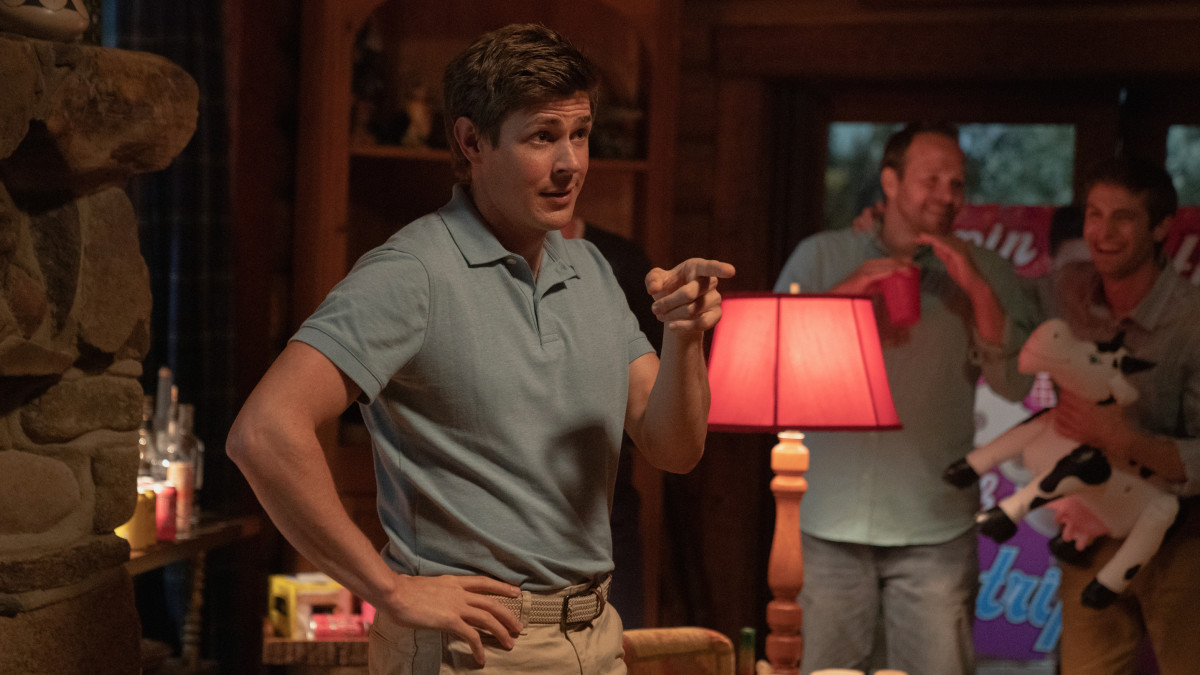 """Chris Lowell as the anti-Piz.""""Now you do a shot, bruh!"""""""